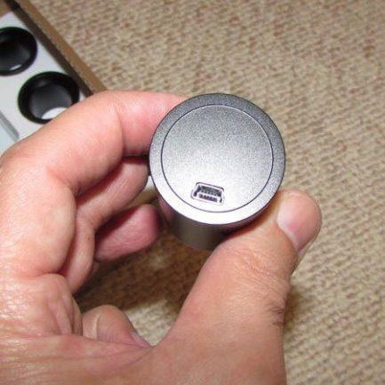 نمایی از پورت مینی یو اس بی دوربین 5 مگاپیکسلی مخصوص انواع میکروسکوپ و استریو میکروسکوپ
