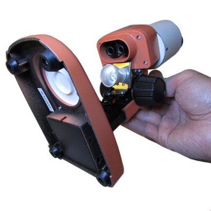 نمای بخش تحتانی و محل قرار گیری باتری استریو میکروسکوپ 50 برابر دو چشم
