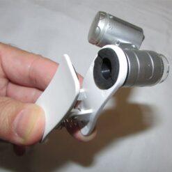 نمای گیره اتصال میکروسکوپ موبایل 60 برابر دارای کلیپس مخصوص - Universal-Clip-Type-LED-Cellphone-Microscope-60X