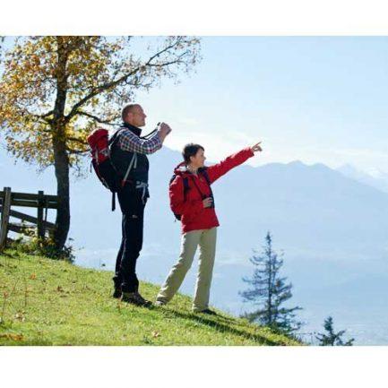 دیدن مناظر با دوربین دوچشمی زاواروسکی Swarovski CL Companion 8x30