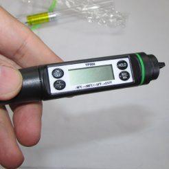 صفحه نمایشگر ترمومتر دیجیتال نفوذی ، دارای ماکزیموم مینیموم و کلید هولد
