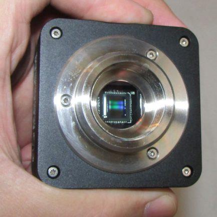 نمای چیپ های بسیار حساس چشمی دوربین میکروسکوپ