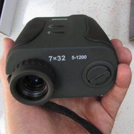 چشمی و درپوش باتری فاصله یاب بوشنل 1200 متری مدل bushnell rangefinder 7x32