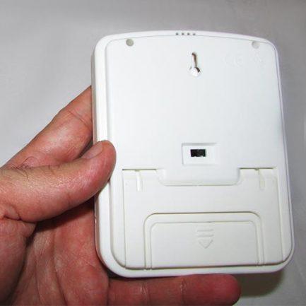 نمای پشت دماسنج و رطوبت سنج دیجیتالی رومیزی دیواری دو خانه مدل HTC-4