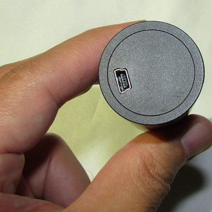 نمای محل اتصال کابل یو اس بی به دوربین میکروسکوپ و استریوسکوپ ۲ مگاپیکسل