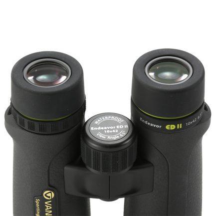 نمایی از لنزهای پهن چشمی دوربین شکاری ونگارد مدل Endeavor ED II 10x42