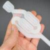 نمای نزدیک از قفل هوا - ایرلاک پلاستیکی جهت امور آزمایشگاهی